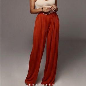 Pleated side leg pants